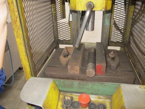 Pressa idraulica usata santoro macchine for Pressa idraulica manuale usata