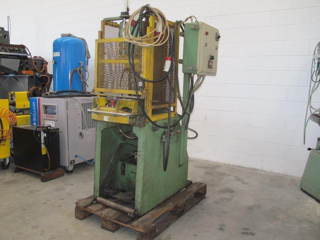 Pressa idraulica usata santoro macchine for Pressa per tubi idraulici usata