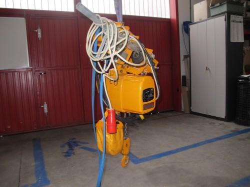Paranco elettrico fas kito 500kg usato santoro macchine for Argano usato