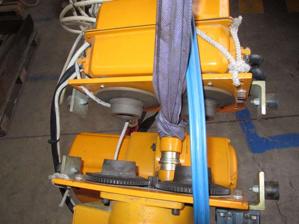 Paranco elettrico fas kito 500kg usato norme ce vendo for Argano elettrico 220v con telecomando