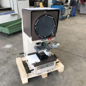 Proiettore ottico di profili Mitutoyo PJ 300 usato