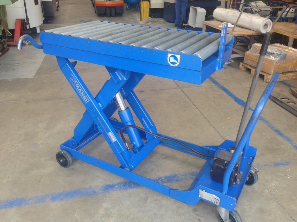 Tavola elevatrice idraulica con rulliera usata armanni for Pressa idraulica manuale usata