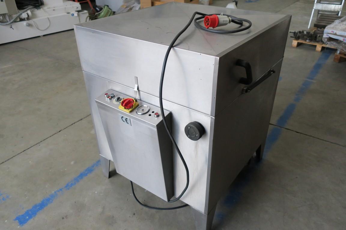 99b26e33c9 ... Lavatrice industriale a spruzzo con cestello rotante PROCHIM 90 usata  Torna alla pagina precedente. Venduto / Sold. Ingrandisci foto