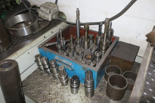 Attrezzatura usata per officina meccanica for Pressa usata per officina