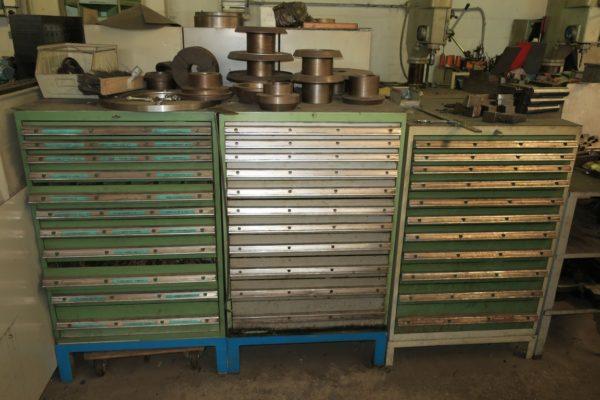 Cassettiera In Metallo Per Officina.Attrezzatura Usata Per Officina Meccanica