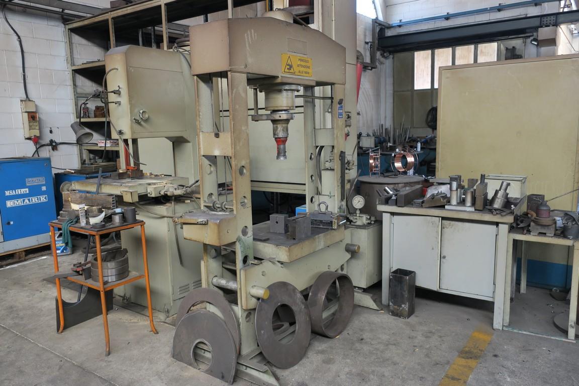 Pressa idraulica usata 100 ton omcn 164 r oleodinamica manuale for Pressa usata per officina