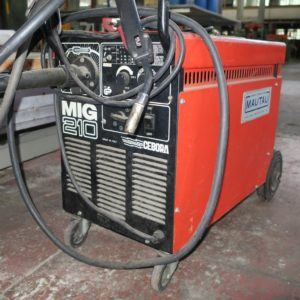 Saldatrice a filo continuo CEBORA MIG 210 usata