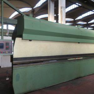 Pressopiegatrice idraulica per lamiera CN BELGIUS 6500 90 TON usata