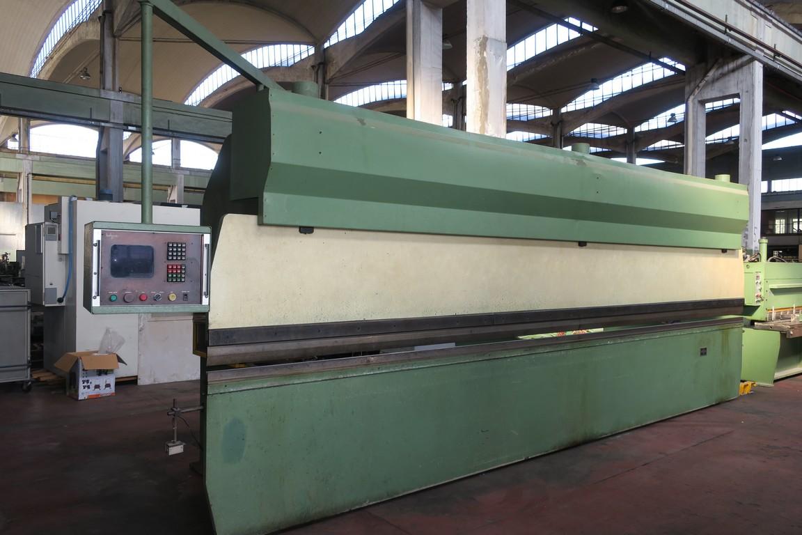 Pressopiegatrice idraulica per lamiera cn belgius 6500 90 for Pressa idraulica 100 ton usata
