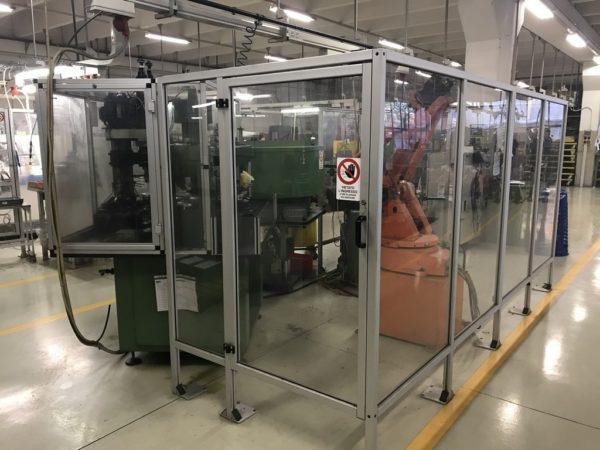 Isola di lavoro transfer 6 stazioni con robot di carico scarico ABB e rullatrice usata