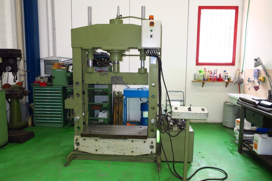 Pressa idraulica usata santoro macchine for Pressa usata per officina