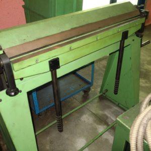 Piegatrice manuale per lamiera 1000 usata