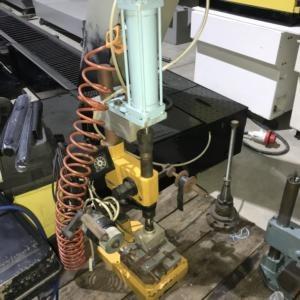 Marcatrice a battuta manuale e pneumatica AUTOMATOR usata
