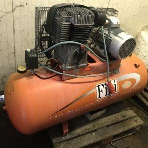 Compressore a cinghia FINI 270LT. 4Kw USATO norme CE
