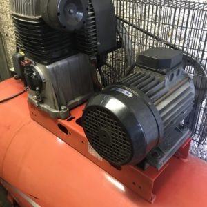 Compressore a cinghia FINI 500LT. 4Kw USATO norme CE