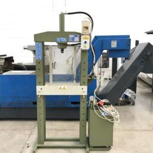 Pressa elettroidraulica 10 ton OMCN 154 MR usata