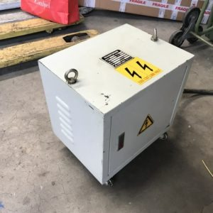 Trasformatore di tensione trifase 380V 10 KVA 50Hz usato