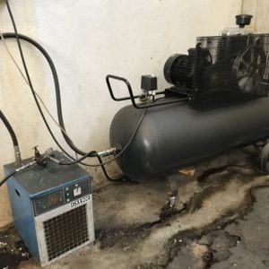 Compressore a pistoni 500LT. 4Kw con essiccatore USATO norme CE