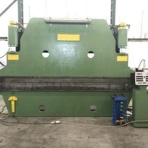 Pressopiegatrice idraulica per lamiera CN NOVASTILMEC NPI 180 TON usata