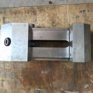 Morsa di precisione a chiusura rapida per rettifica usata